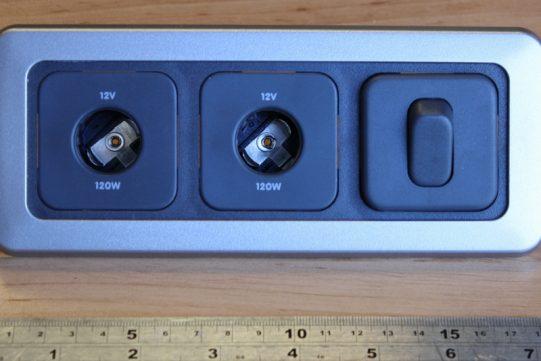 Triple 2 x 12V + switch flatline