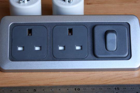 Triple 2 x 240V + switch flatline