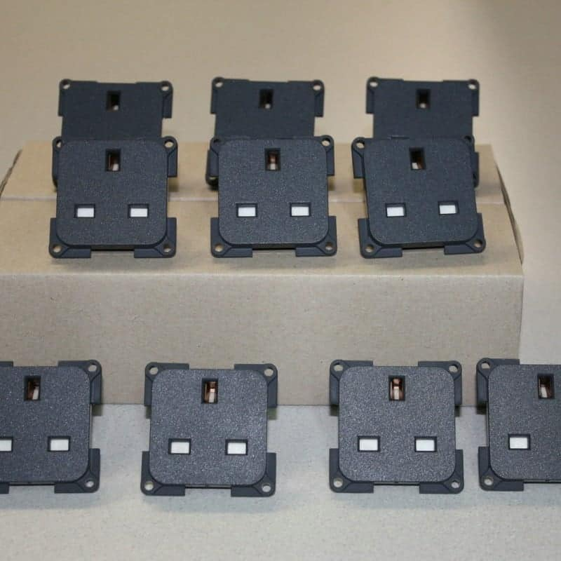 10 X Cbe 240v Sockets