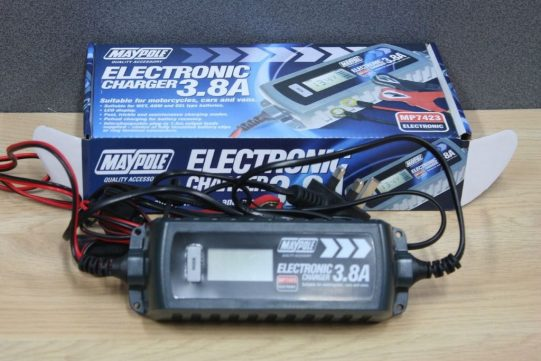 Electronic Charger 3.8A CA BC 4A