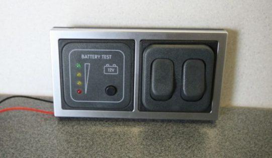 12v Battery Tester Double Switch CBE D DSW BT SQ e1480438317779